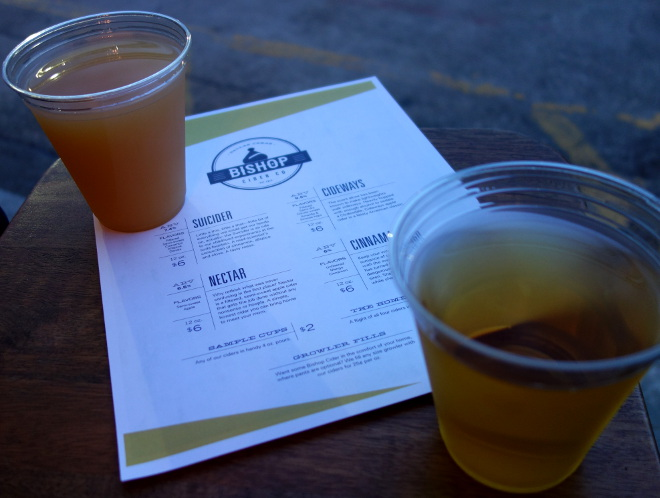 Kaleandtell - Cider  hos Bishop Cider Co, Texas